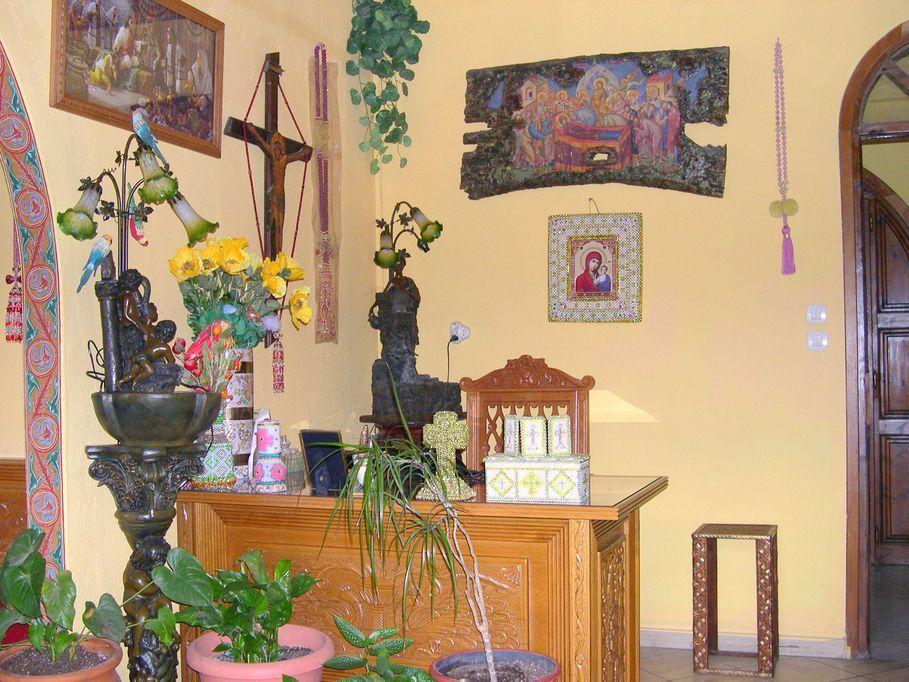 Το γραφείο της Καθηγουμένης όπου δέχεται τους προσκυνητές, δίπλα στο Αρχονταρίκι.